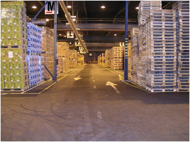 Improving Warehousing Efficiency with Pallet Collars