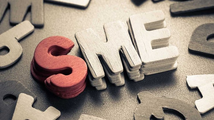 Initiation and strategy for companies and SMEs in Social Media